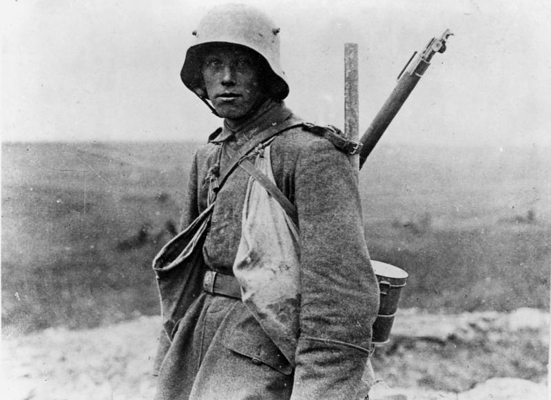 A young German Sommekämpfer in 1916.